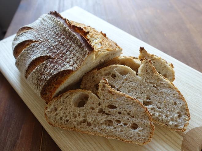 peklany-felbarna-kenyer