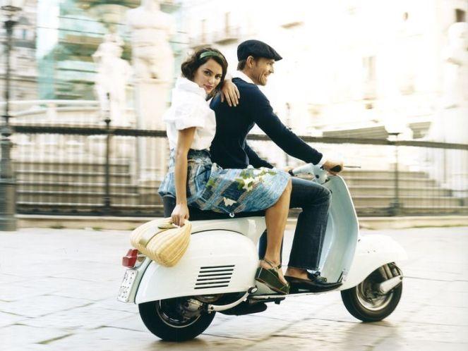 e993466d6aa6cf0e115b62b2ca7748e3--piaggio-vespa-scooter-girl